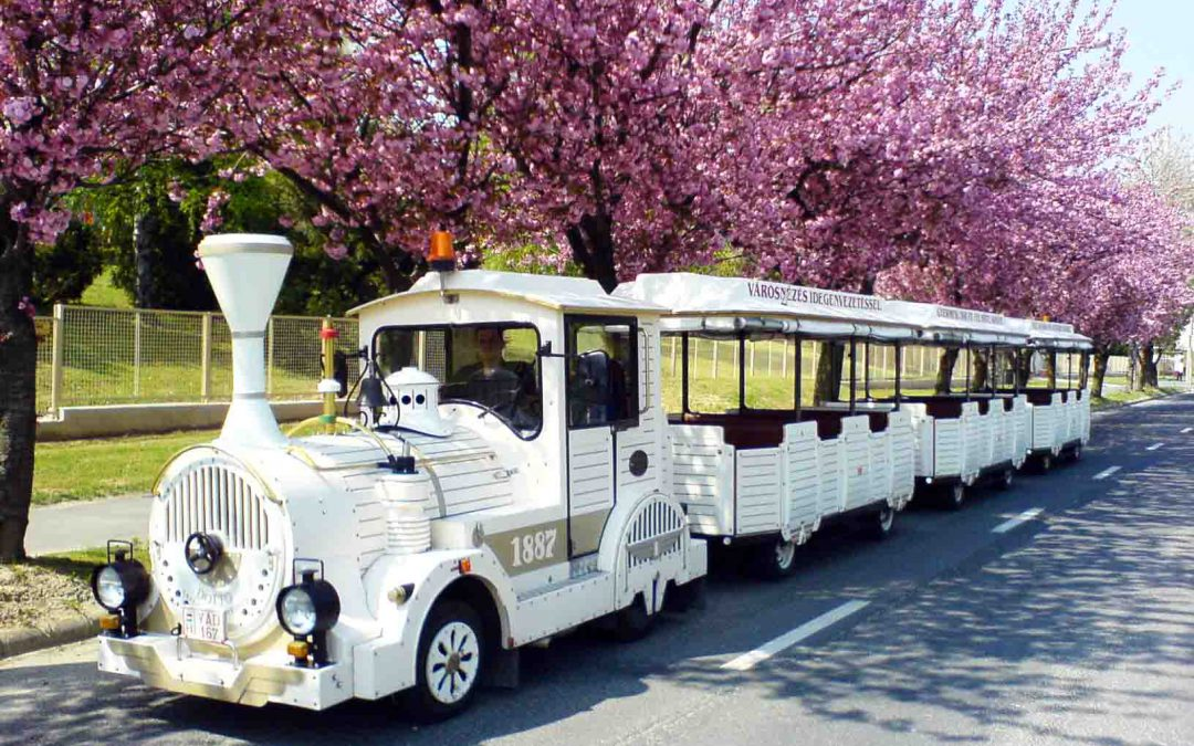 Discover Siófok with the sightseeing train