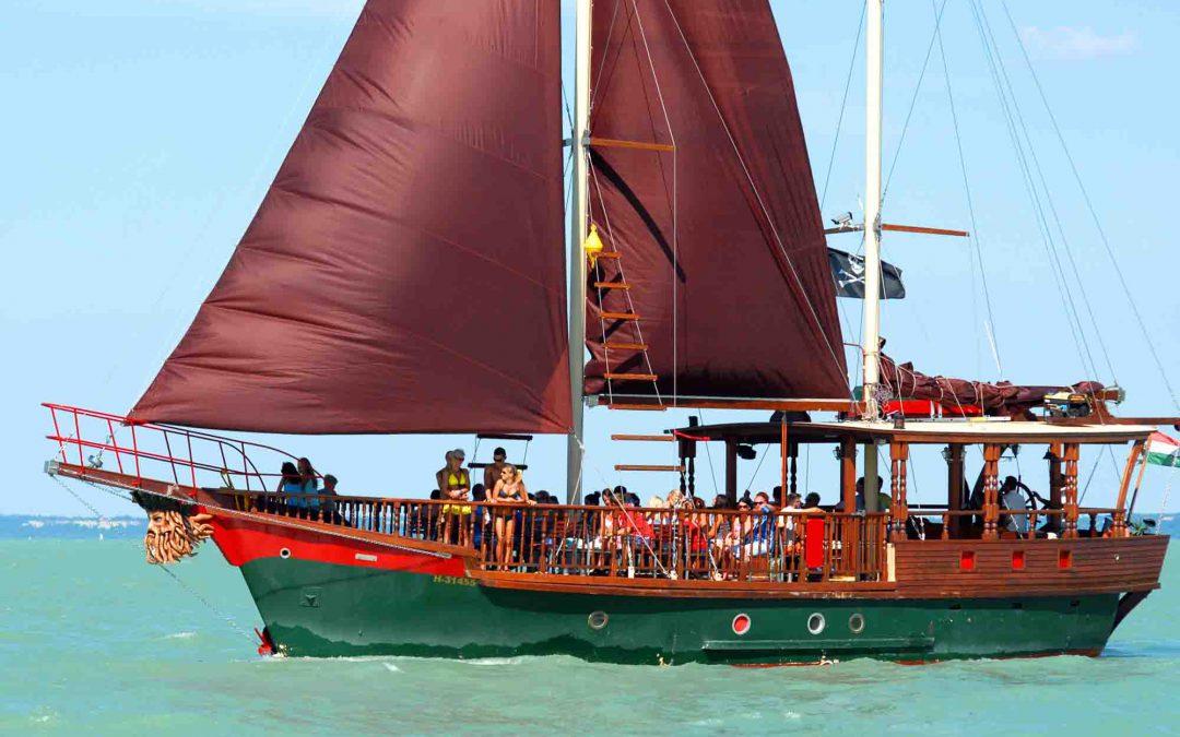 Kinderprogramme und Schiffausflug mit den Piraten